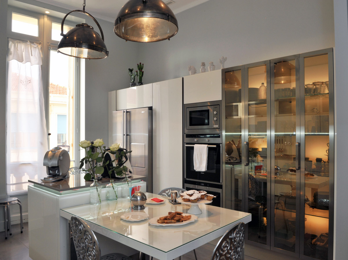 Bohemian apartment paris images about loulou de la falaise on pinterest paris fun and - Modern deco appartement ...